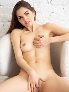 Alise Moreno - Casting by Watch4beauty