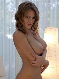 Big tits small frame nude
