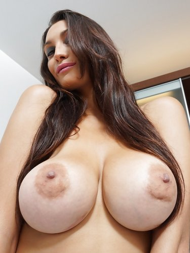 big latina tits porn - secret hookup!