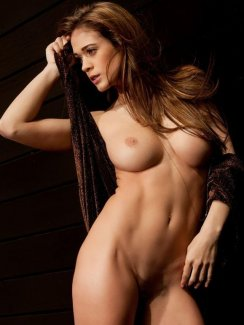 Lauren Elise posing nude for Playboy Fresh Faces in a sexy photo gallery at Morazzia
