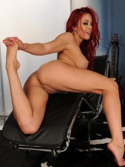 Showing Porn Images For Ebony With Red Hair Porn