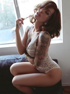Time for another compilation gallery and this time is chicks with tattoos. Love them or hate them some girls can certainly pull them off.